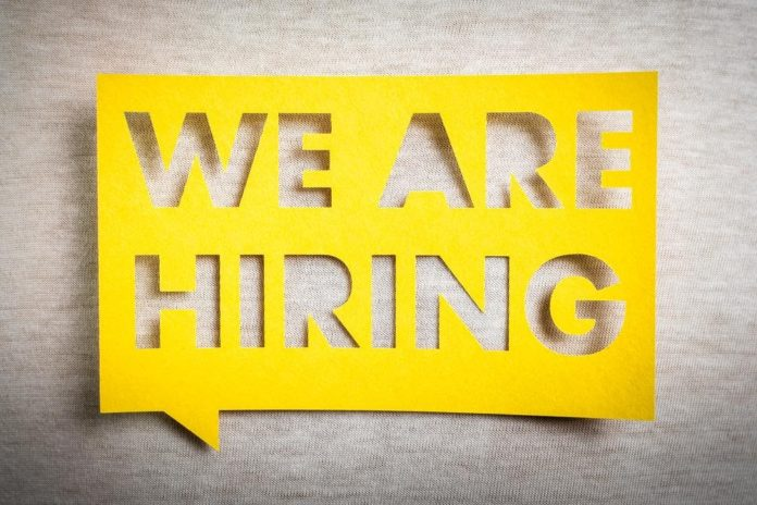 7 Factors to Consider When Hiring a New Employee